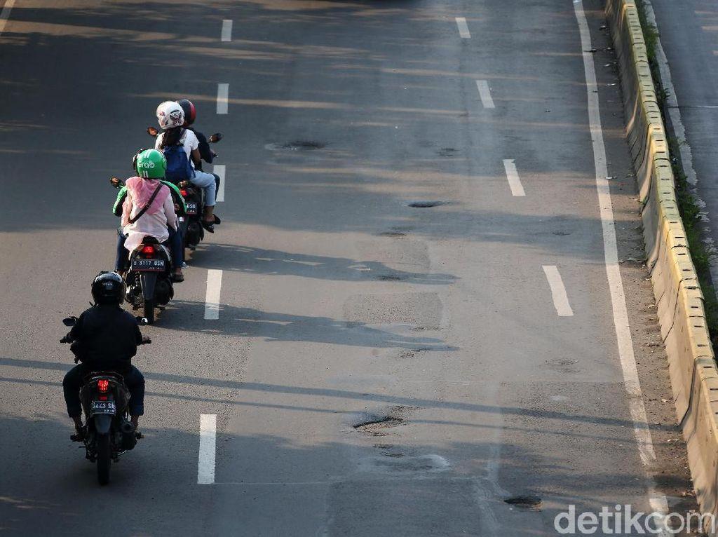 Pemprov DKI Mulai Perbaiki Jalan Berlubang di Gunung Sahari