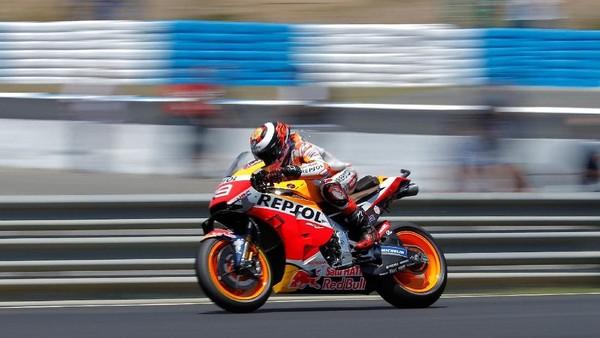 Rider Honda, Marc Marquez, memuncaki klasemen MotoGP. (Foto: Jon Nazca/Reuters)