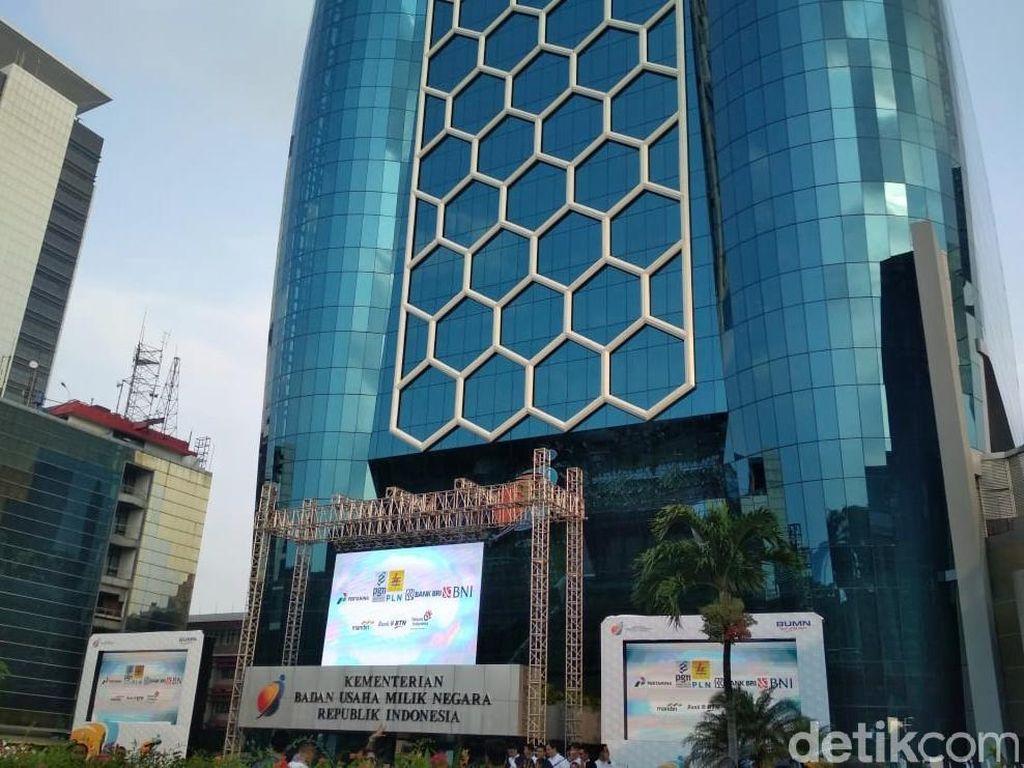 Rancang Holding BUMN Keuangan, Sri Mulyani Konsultasi ke BI dan OJK