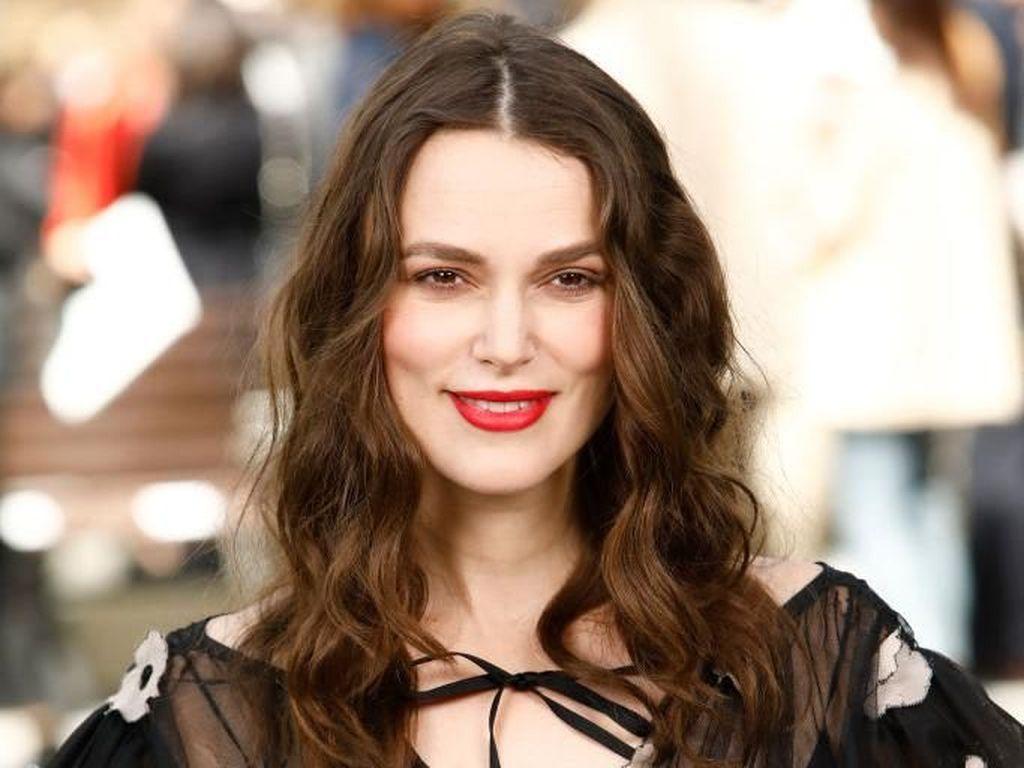 Kejutan Keira Knightley di Fashion Show Chanel: Hamil Anak Kedua