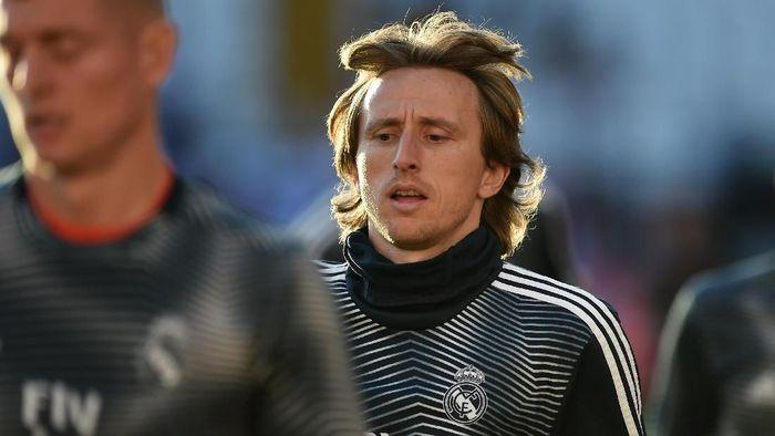 Luka Modric dikabarkan ingin diboyong AC Milan. (Foto: Denis Doyle / Getty Images)