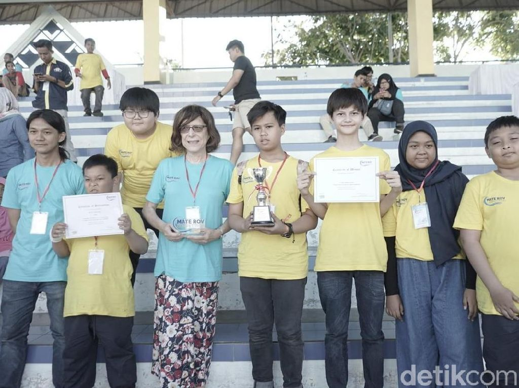 Kompetisi Robot Regional ASEAN Digelar di Surabaya
