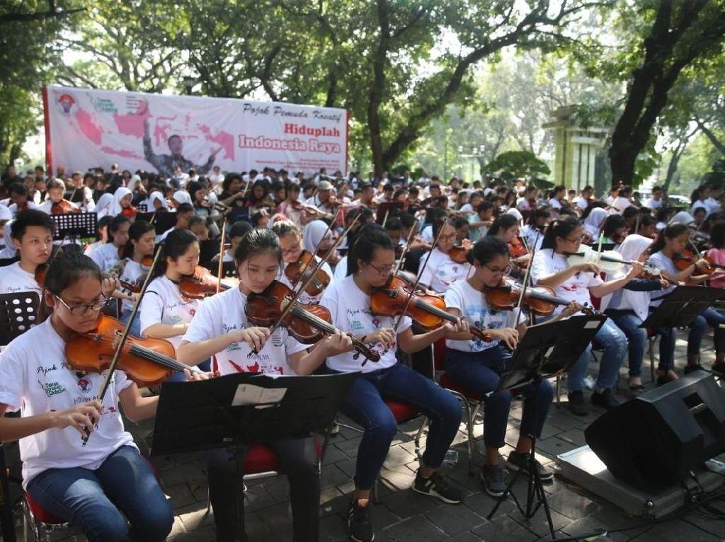 326 Pemuda Kreatif Pecahkan Rekor Dunia Konser