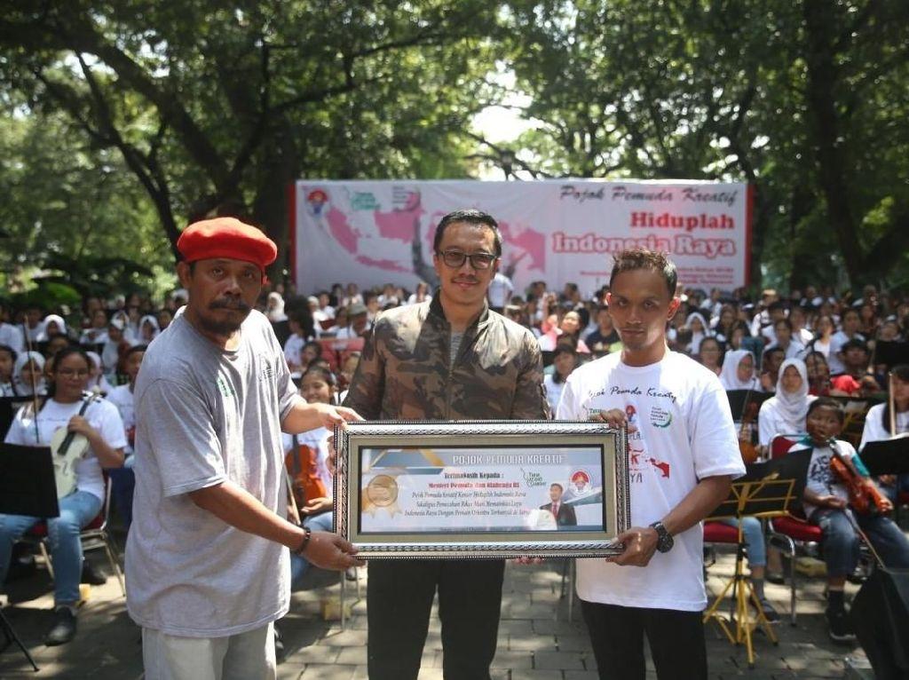 Mainkan Orkestra Indonesia Raya, Komunitas Ini Sabet Rekor MURI