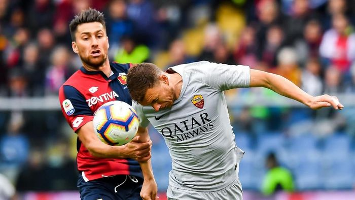 AS Roma ditahan imbang Genoa 1-1. (Foto: Paolo Rattini/Getty Images)