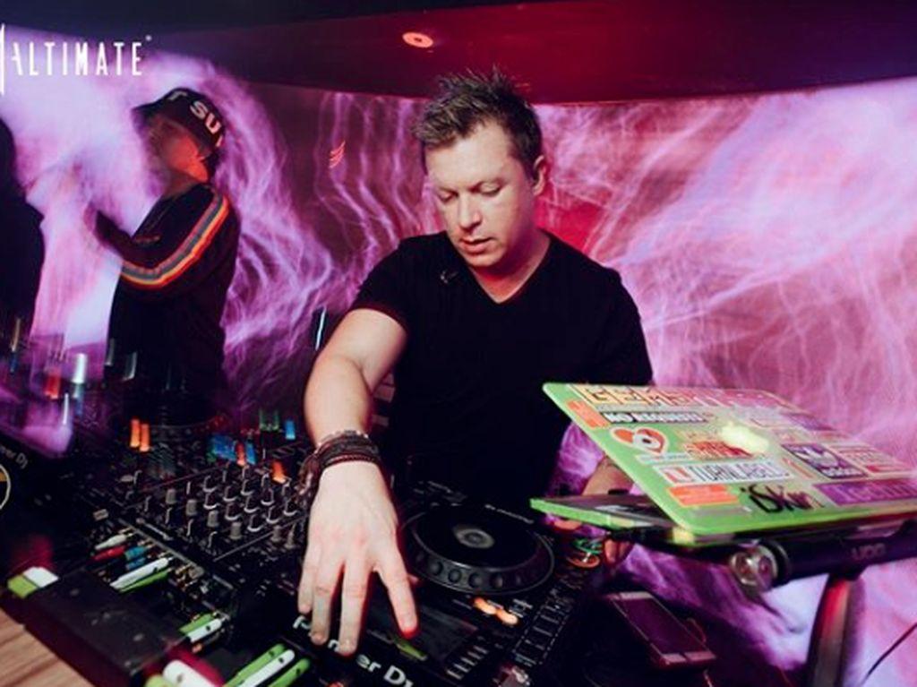 DJ Adam Sky Tabrak Kaca Lalu Kehilangan Nyawa
