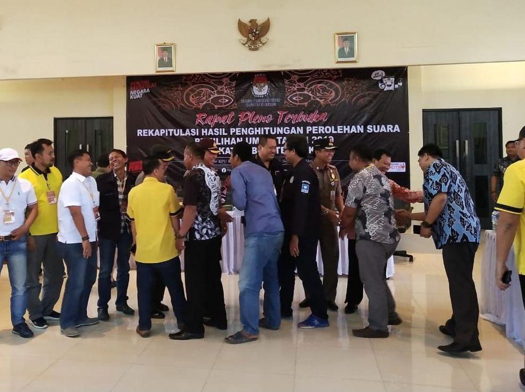 Kompaknya Pendukung Jokowi dan Prabowo di Bekasi