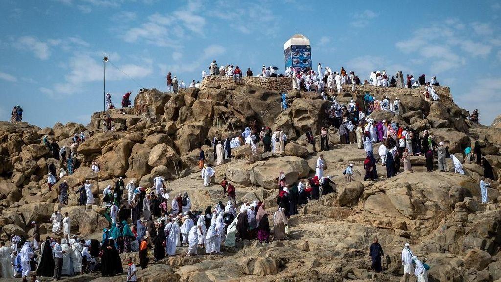 Berkunjung ke Jabal Rahmah, Jangan Sampai Musyrik yaa