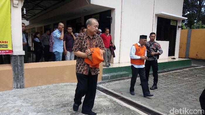 Terdakwa kasus mafia bola, Johar Lin Eng. (Foto: Uje Hartono/detikSport)
