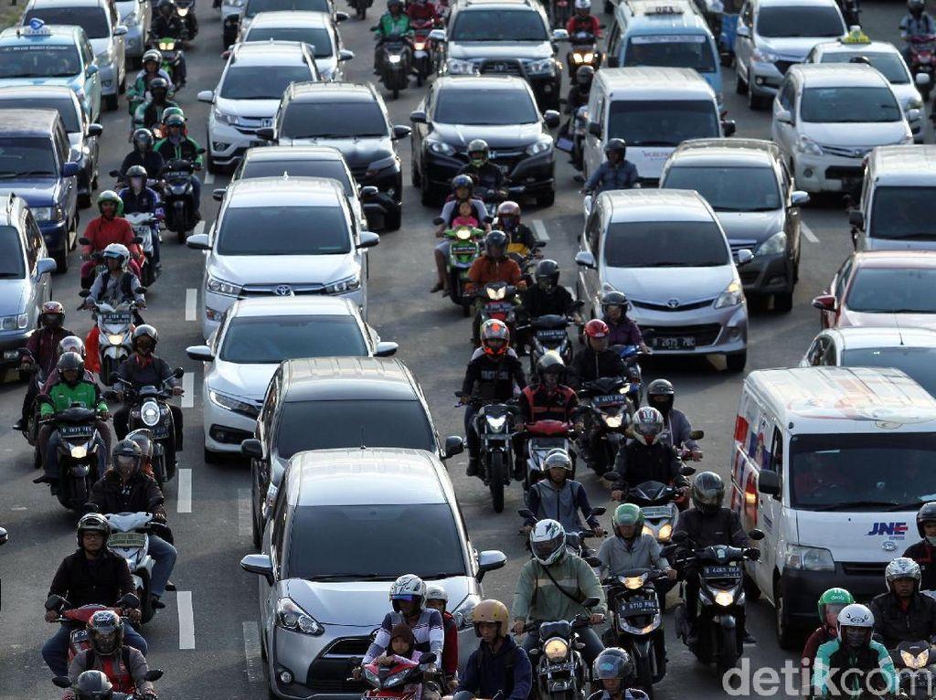 Pemerintah Mau Batasi Usia Mobil dan Motor?