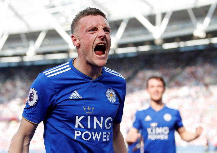 Soccer Football - Premier League - West Ham United v Leicester City  - London Stadium, London, Britain - April 20, 2019  Leicester Citys Jamie Vardy celebrates scoring their first goal    Action Images via Reuters/Andrew Boyers  EDITORIAL USE ONLY. No use with unauthorized audio, video, data, fixture lists, club/league logos or
