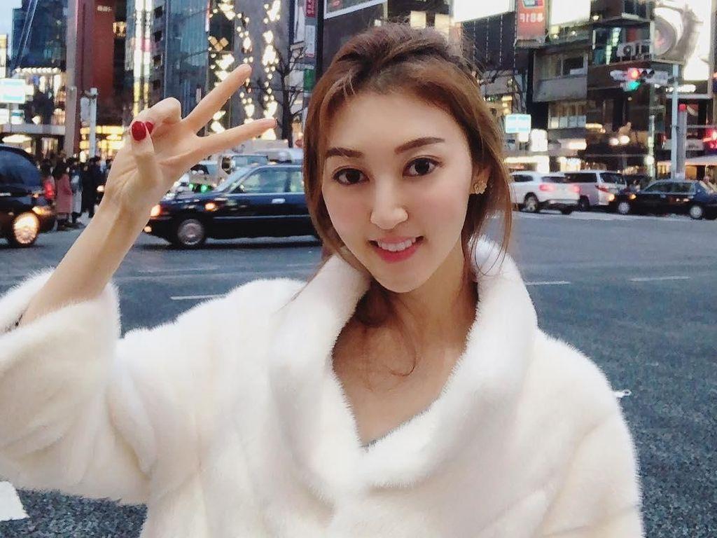Cerita Aktris Cantik yang Ceraikan Suami Jutawan, Pindah ke Pelukan Miliuner
