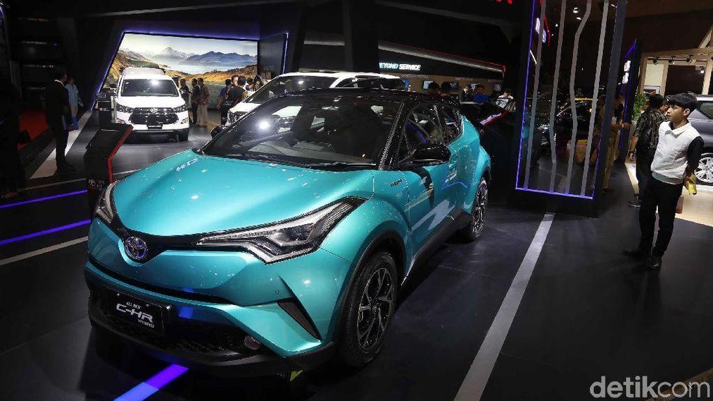 Pesona Toyota C-HR