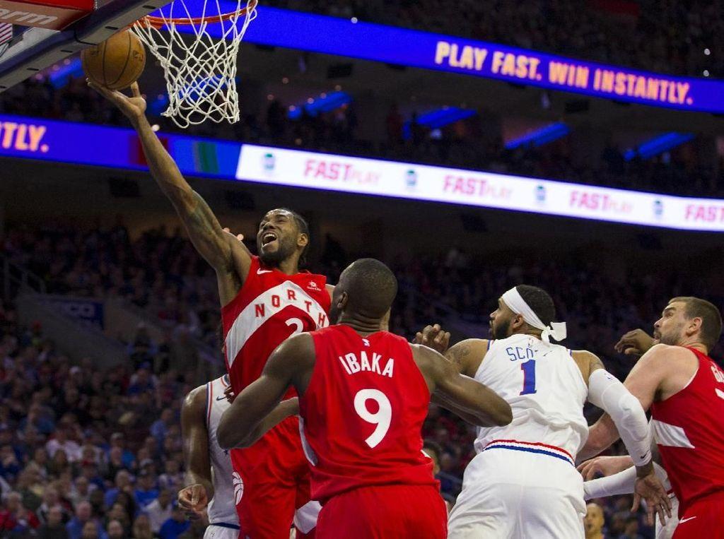 Hasil NBA: Leonard Pimpin Raptors Bekap Sixers untuk Samakan Kedudukan