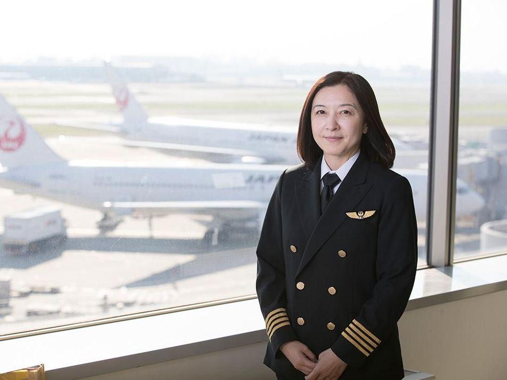 Kisah Pilot Penerbangan Komersil Wanita Pertama di Jepang