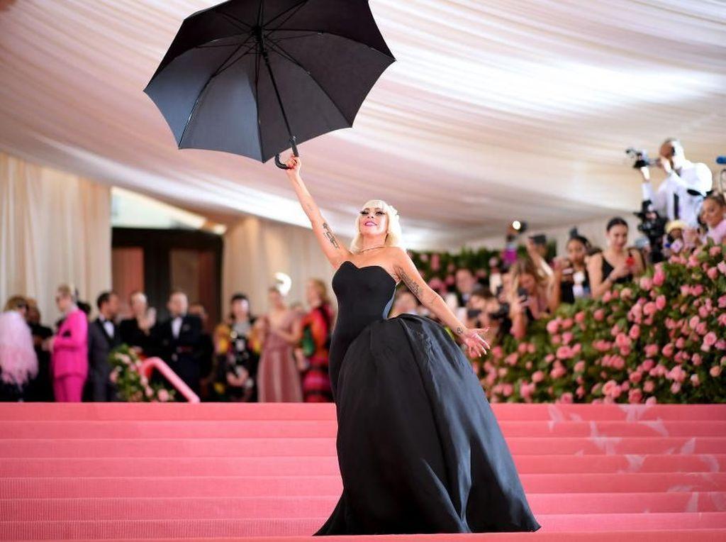 Kemewahan Ajang Fashion MET Gala, Tiketnya Seharga Rumah Mewah