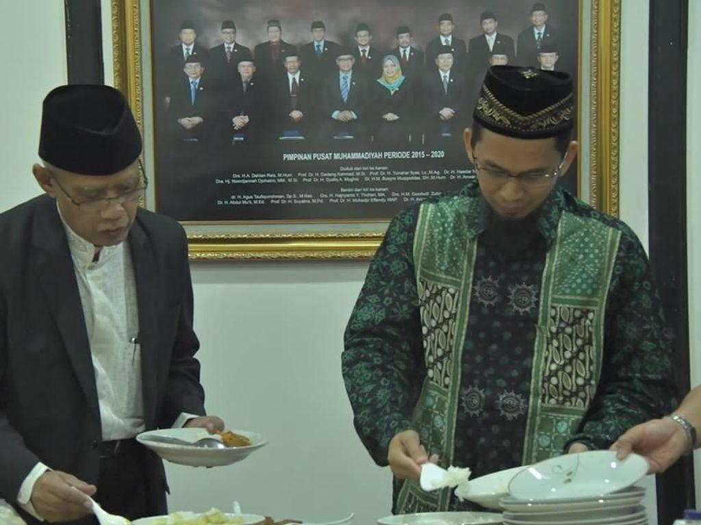 Saat Ustaz Adi Hidayat Bertemu Prabowo hingga Makan Bareng Ustaz Abdul Somad