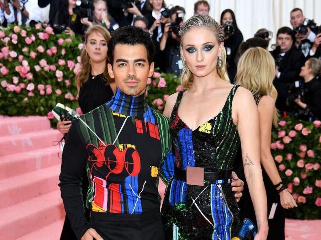 Panggilan Sayang Sophie Turner ke Joe Jonas Bikin Heboh, Apa Namanya?