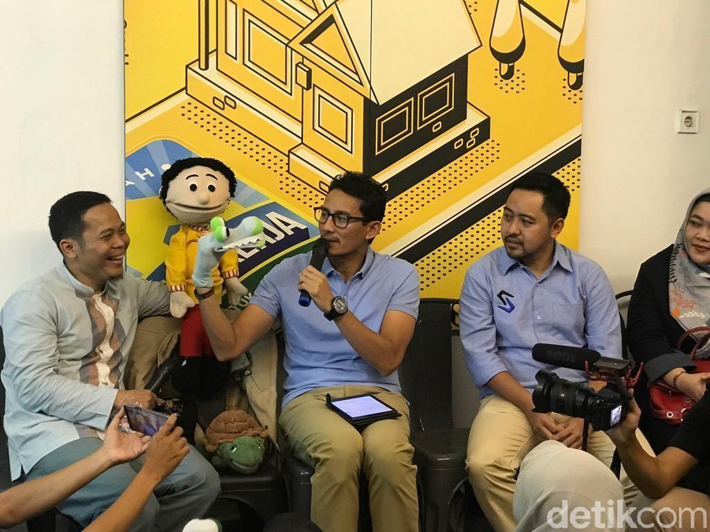Kunjungi Rumah Siap Kerja, Sandiaga: Ini Terpisah dari Politik