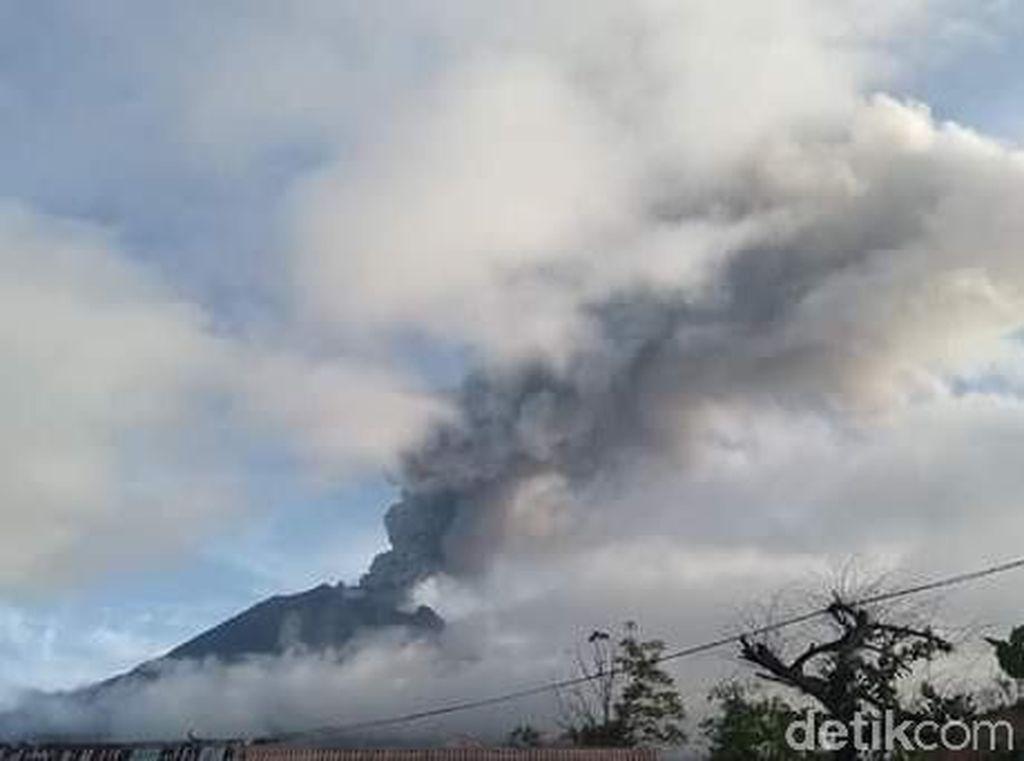 Gunung Sinabung Kembali Erupsi, Tinggi Kolom Abu Capai 2.000 Meter