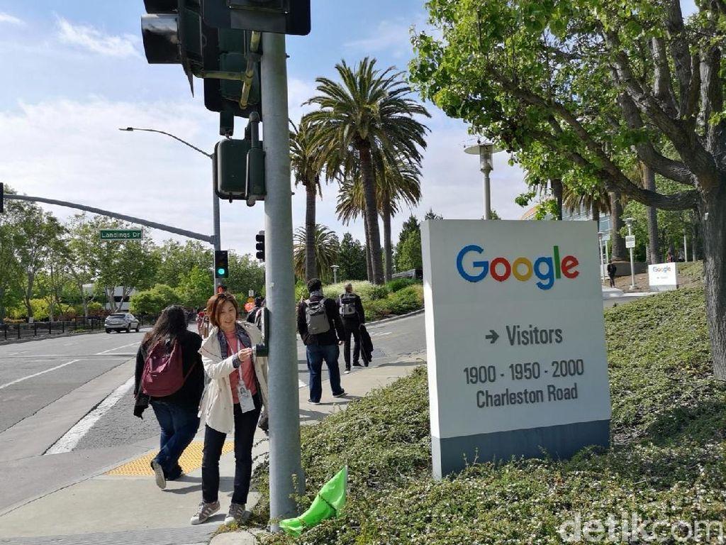 Ngabuburit di Markasnya Mbah Google