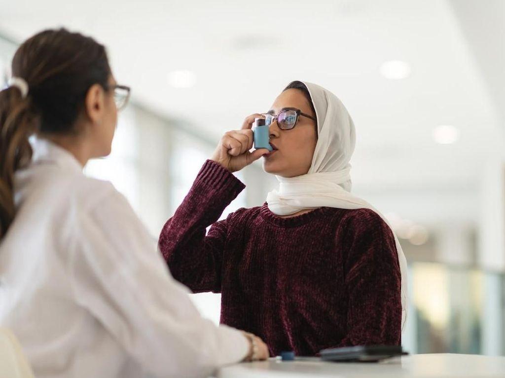 Hal yang Membatalkan Puasa, Inhaler untuk Asma Termasuk Nggak?