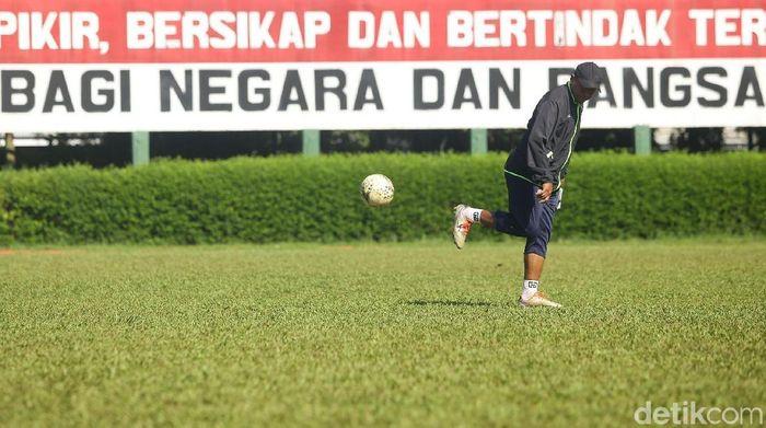 Rahmad Darmawan dipercaya menjadi pelatih PS Tira Persikabo. (Grandyos Zafna/detikcom)