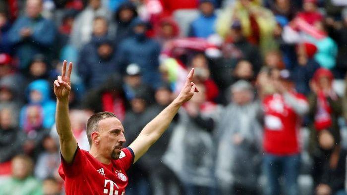 Franck Ribery tinggalkan Bayern Munich musim ini (REUTERS/Michael Dalder)