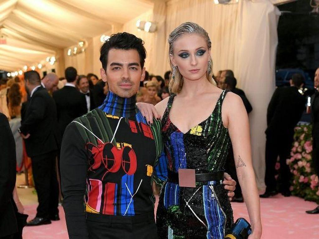 Sophie Turner-Joe Jonas akan Gelar Pesta Mewah di Prancis?