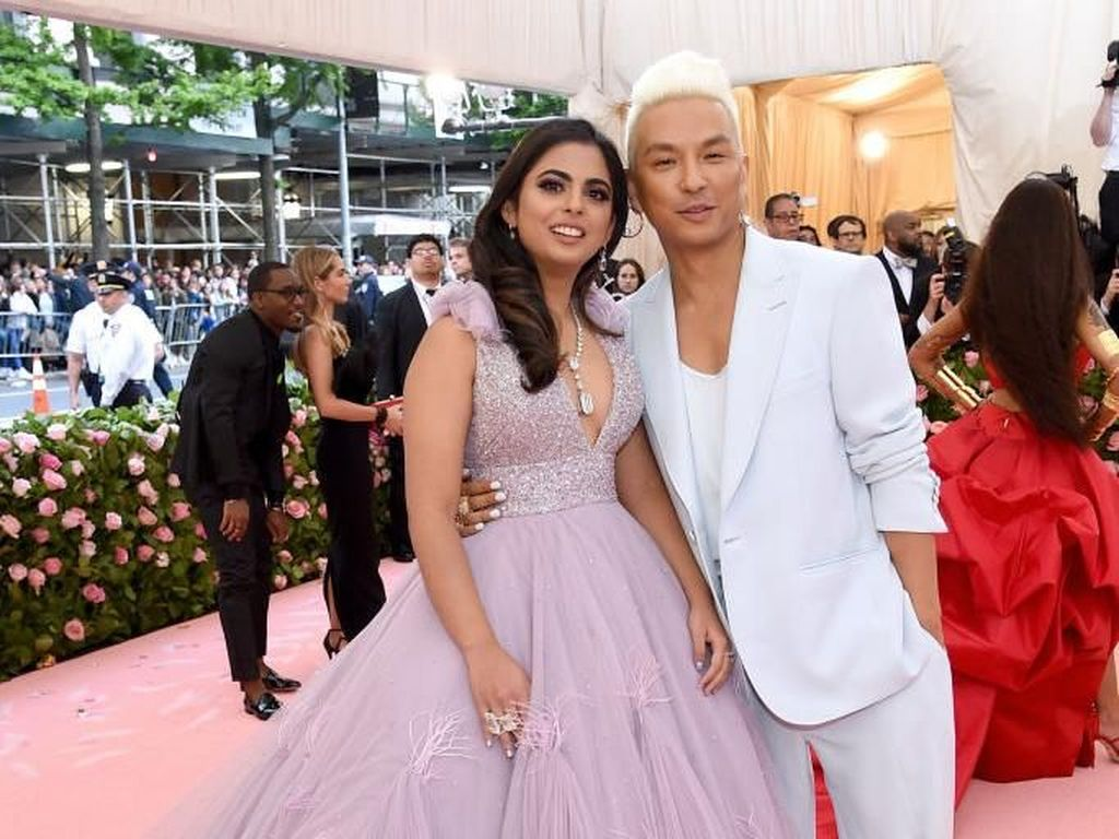 Anak Orang Terkaya Se-Asia Eksis di MET Gala 2019, Pakai Gaun Megah