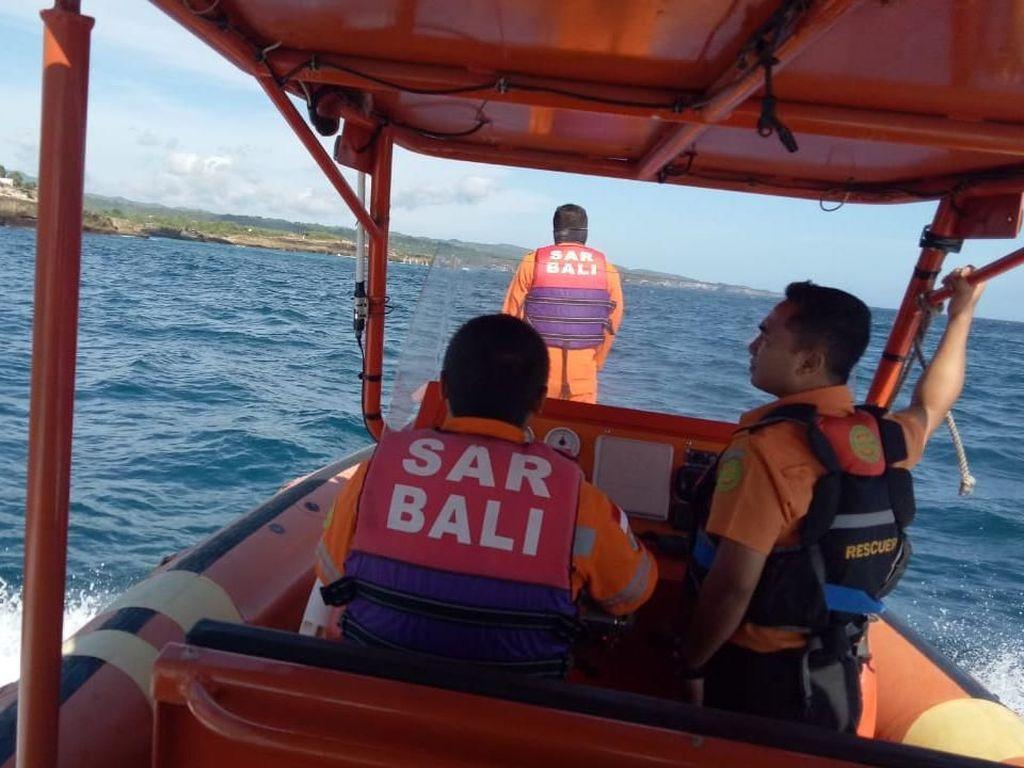 Selfie di Tebing Dream Beach Nusa Penida, WN India Hilang Tersapu Ombak