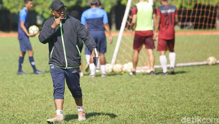 Pelatih PS TIRA Persikabo Rahmad Darmawan. (Foto: Grandyos Zafna/detikcom)