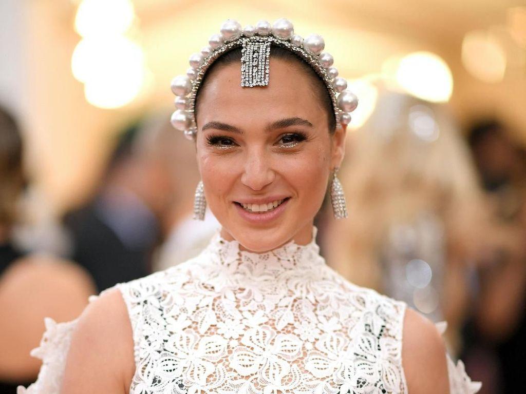 Saat Wonder Woman Menjadi Bidadari di Met Gala 2019