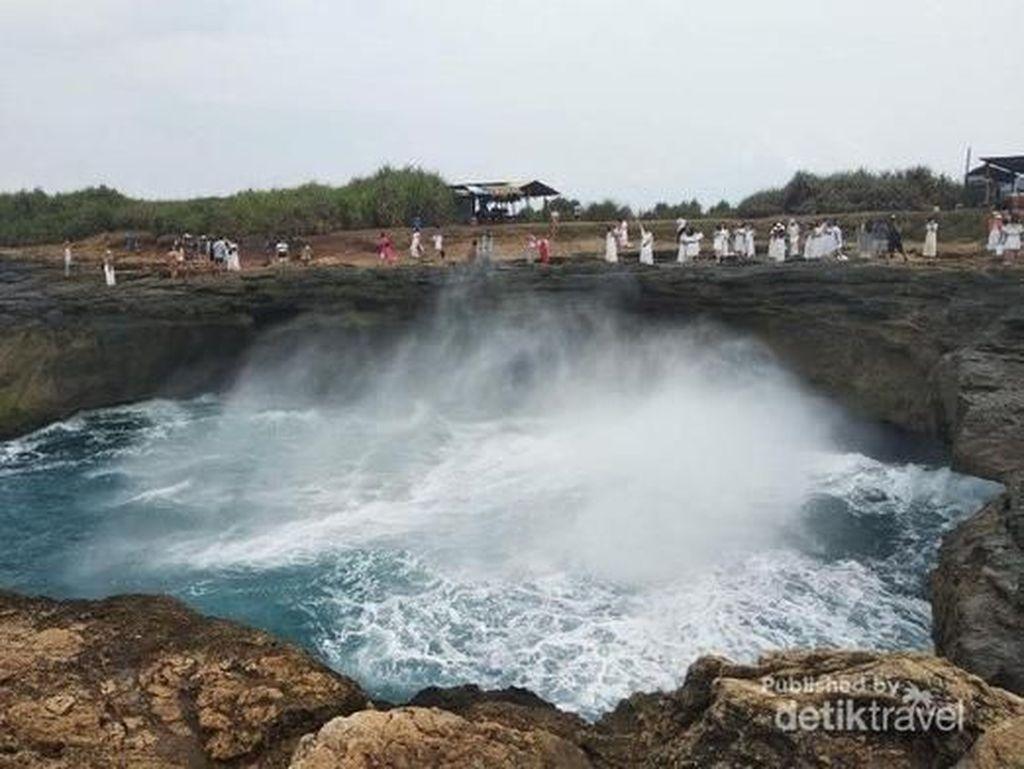Kejadian Turis Terseret Ombak di Devils Tear Bali Bukan Pertama Kali
