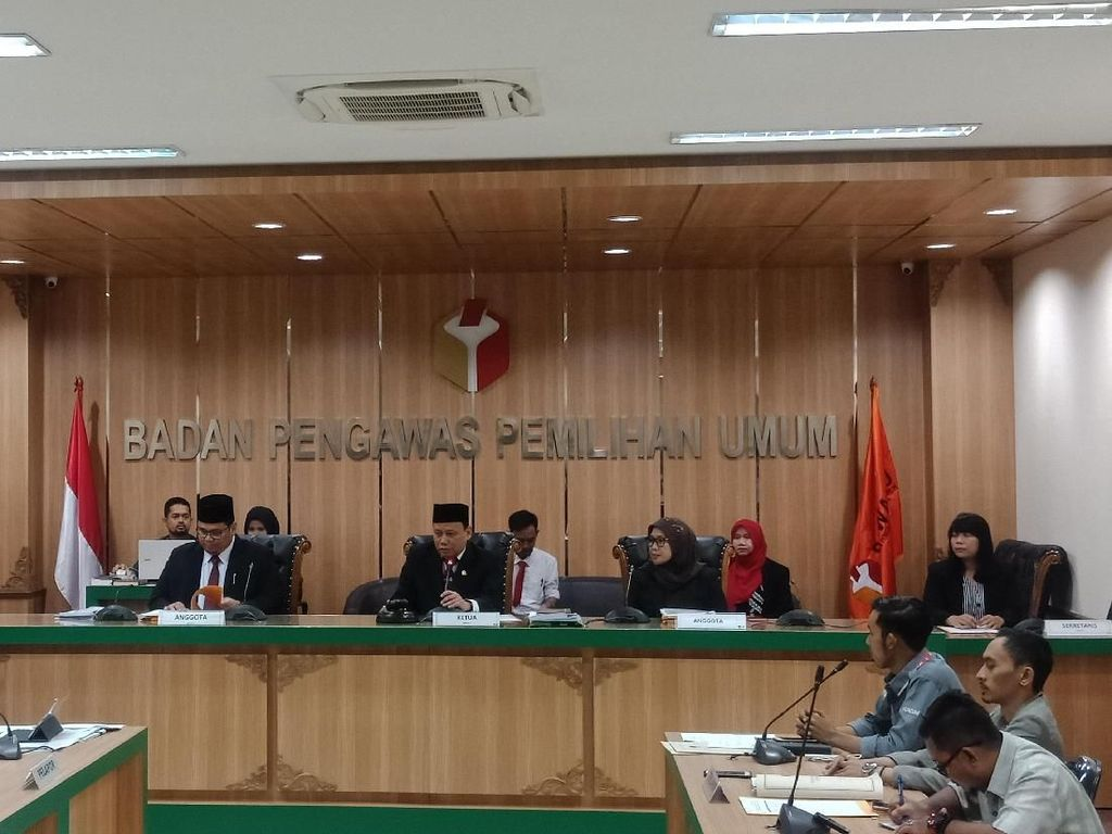 Bawaslu Tunda Sidang Aduan BPN Prabowo soal Situng KPU, Dilanjut Besok
