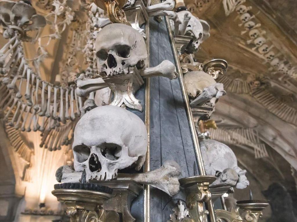 Foto: Kapel Suci Berisi 40.000 Tengkorak Manusia