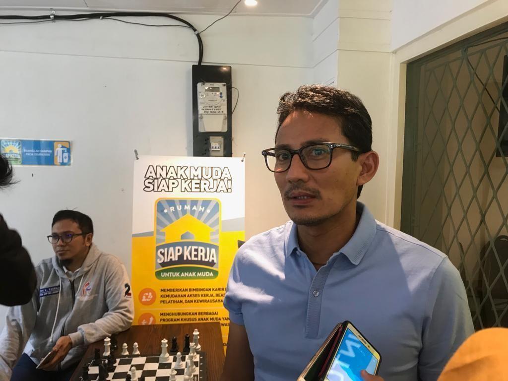 Soal Corona, Sandiaga: Dahulukan Masyarakat Ketimbang Ekonomi!