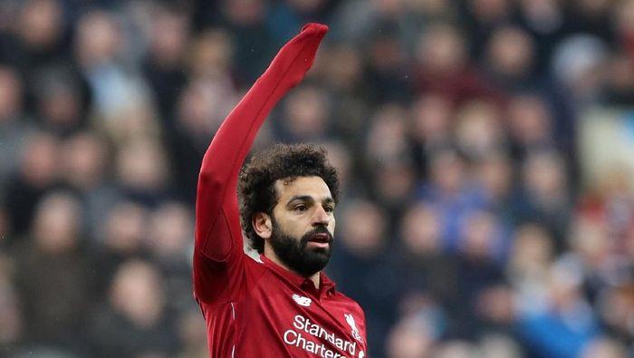 Mohamed Salah dipastikan absen saat hadapi Barcelona (Scott Heppell/Reuters)