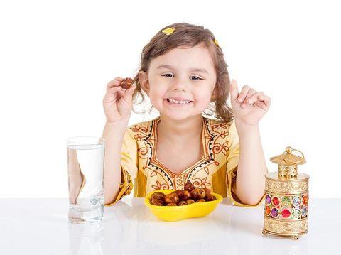 Mengenalkan Nilai Disiplin Pada Anak Melalui Puasa Ramadhan