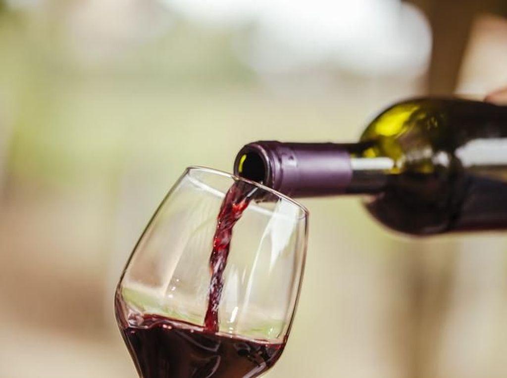 Stok Wine Berlebih, Maskapai Ini Buka Layanan Antar ke Rumah