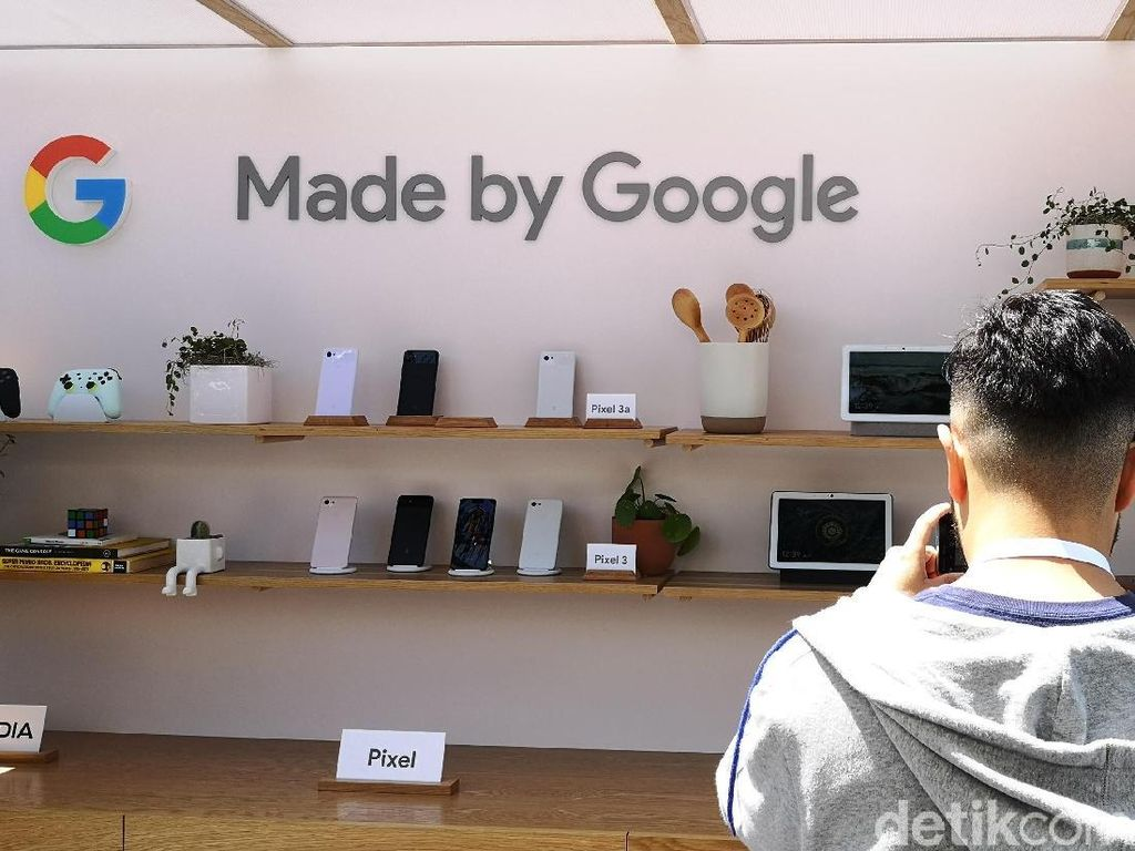 Google Diam-diam Kembangkan Prototipe Ponsel Layar Lipat