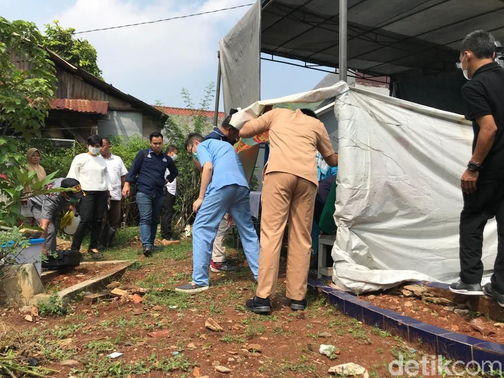 Makam Dibongkar, Jenazah Bayi di Jakbar yang Dianiaya Ayahnya Diautopsi