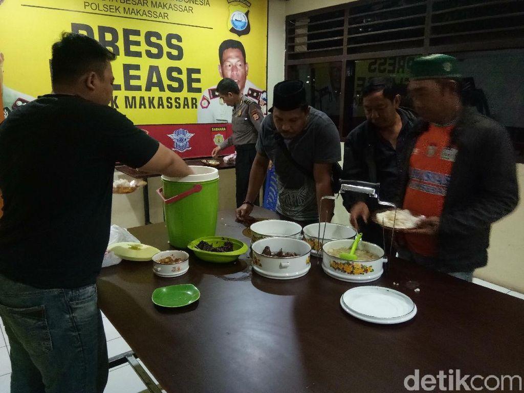 Ramadhan, Kantor Polisi di Makassar Siapkan Sahur Gratis Bagi Warga