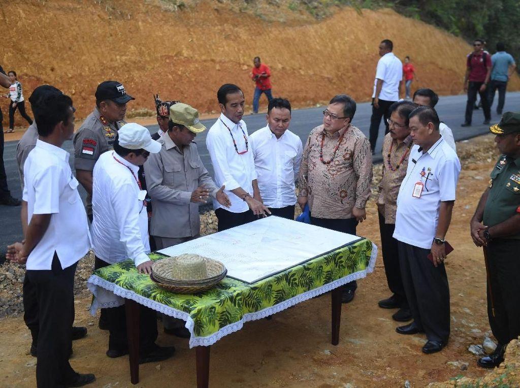 Momen Jokowi Tinjau Calon Ibu Kota Baru Indonesia