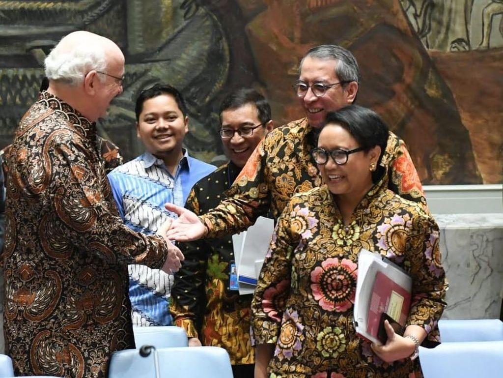Pimpin Sidang DK PBB, Menlu Retno Banggakan Pasukan Perdamaian RI