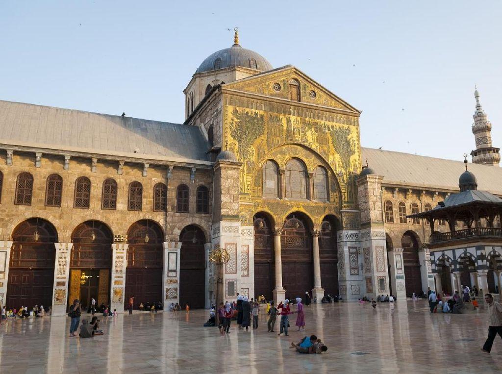 Foto: Masjid Agung Umayyah yang Dikunjungi Oleh Paus