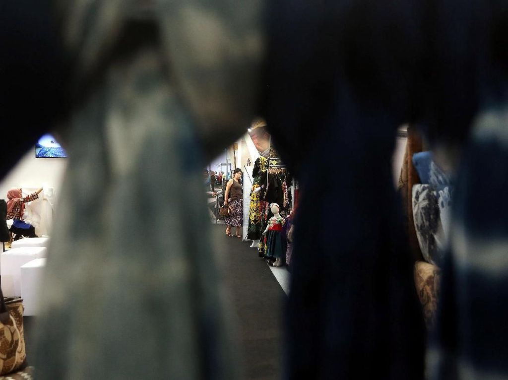 Batik UKM Binaan BNI Mejeng di Gelar Batik Nasional