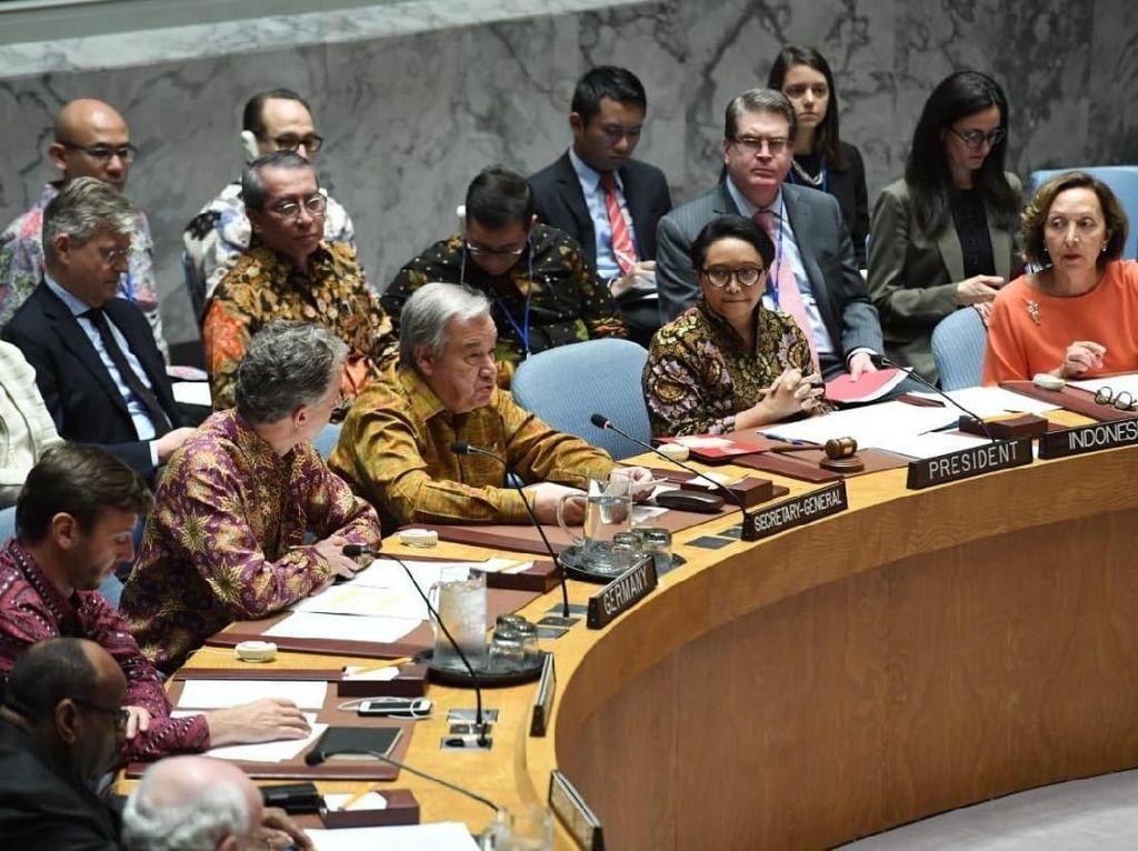 Dipimpin Indonesia, Sidang Dewan Keamanan PBB Diwarnai Diplomasi Batik