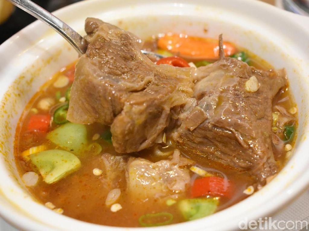 Nostalgia Masakan Rumahan di Restoran Rantang Ibu