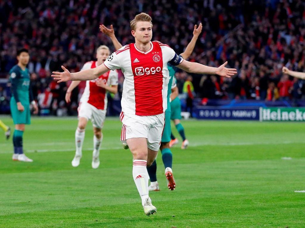 Babak I Usai, Ajax Ungguli Tottenham 2-0